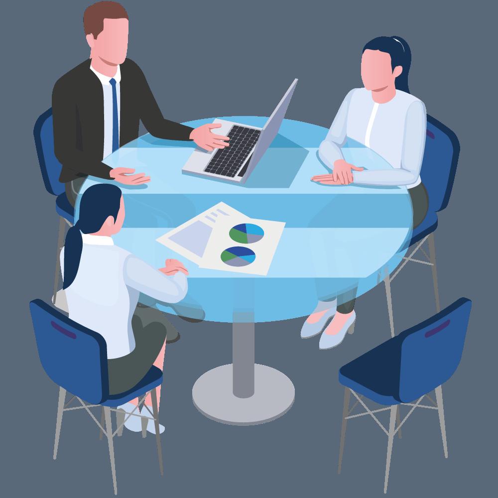 Drei Menschen sitzen an einem rundem Tisch und besprechen etwas
