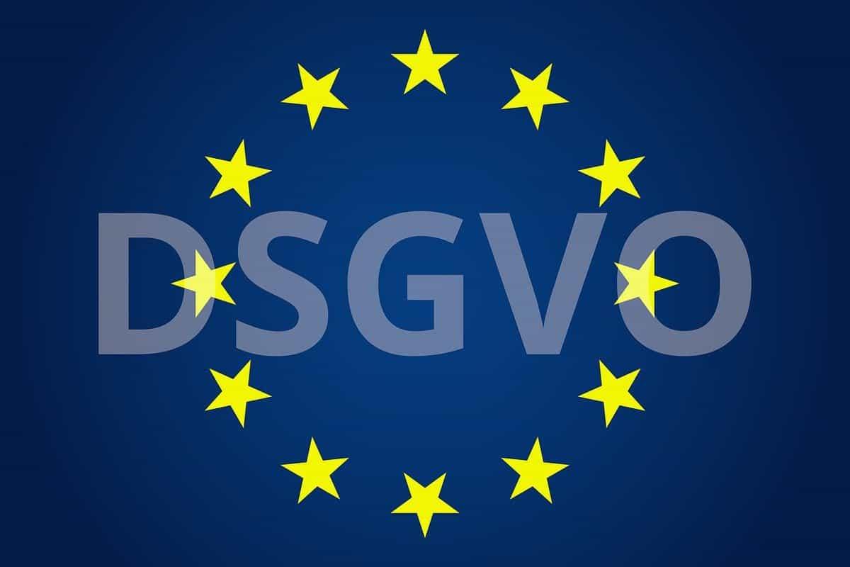 Ein Logo von DSGVO mit den Europasternen